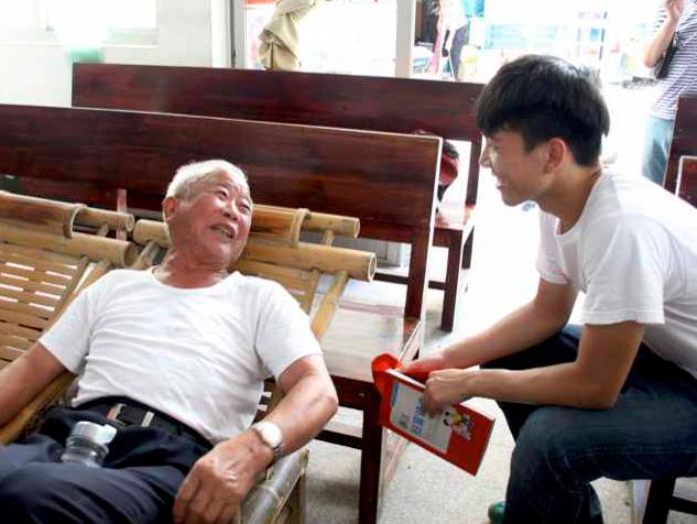 senior-volunteering
